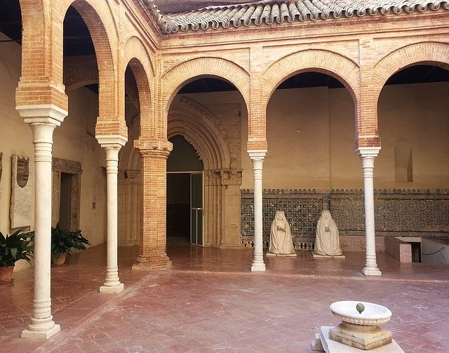 colonnade une architecture régulière
